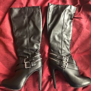 Awesome black edgy high heel leather boots